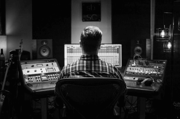 Carson Beck Voiceover Studio Image02